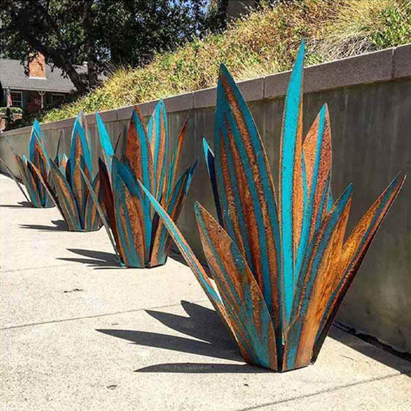 10 Best Metal Yard Art Ideas For Your Backyard